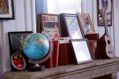 ambiance-livres-cheminee-salon